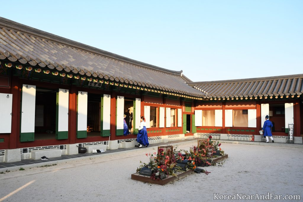 Inside of Saenggwabang, the cafe at Gyeongbokgung